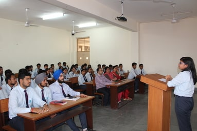 "Uttaranchal Institute of Technology organizes a 'Presentation Session' on ""Case Studies related to Entrepreneurship, Incubation & Start-up"""""