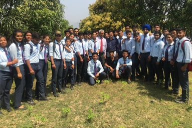 Uttaranchal College of Agricultural Sciences organizes a 'Field Visit' to 'Kotada Santaur' and 'Kandauli'