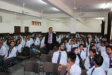 Uttaranchal Institute of Management conducts a Student Development Programme on 'Digital Marketing'