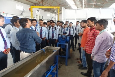 University Polytechnic & Department of Mechanical Engineering (UIT) organize an Industrial Visit to CIPET, Doiwala