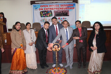 Uttaranchal University Center for Incubation, Innovation & Entrepreneurship (UUCIIE) along with its E-Cell (SALS) organizes an Open House Session on 'Entrepreneurship'