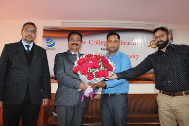 Central Library of Uttaranchal University conducts a Training Session for the Faculty Members and students of Law & Legal Studies